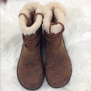 UGG Shoes - Ugg Women's Caspa Shearling Leather Boots Brown 6